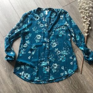Kut from the Kloth floral green blue shirt large